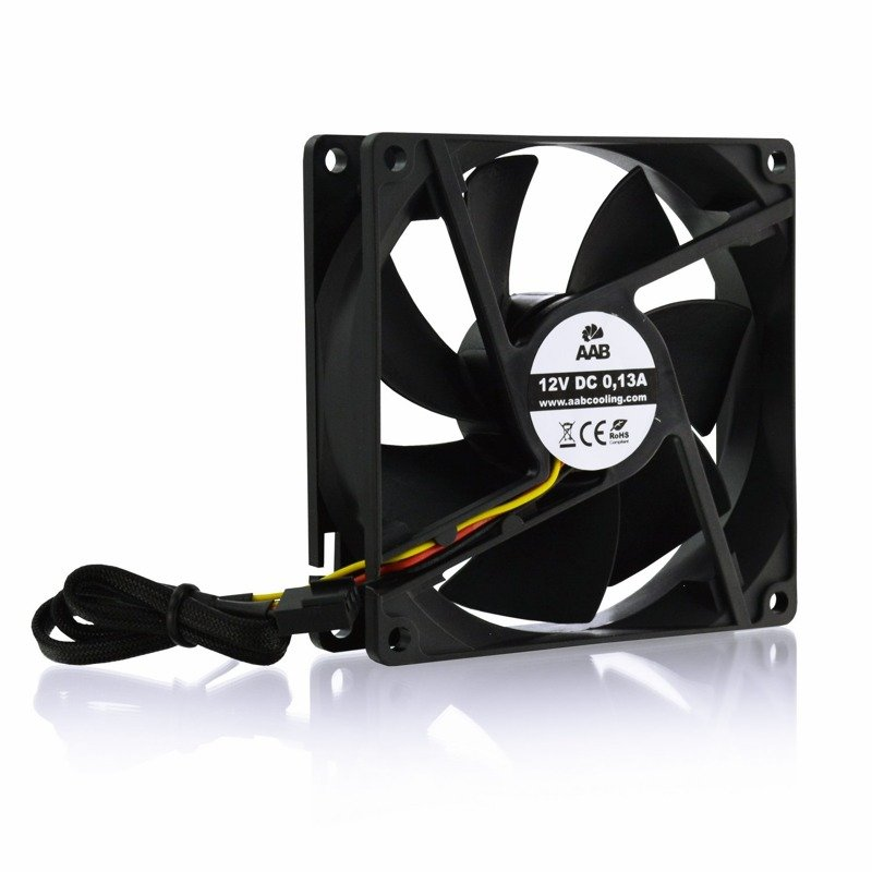 aab_cooling_black_silent_fan_9_1700rpm_dsc_4970